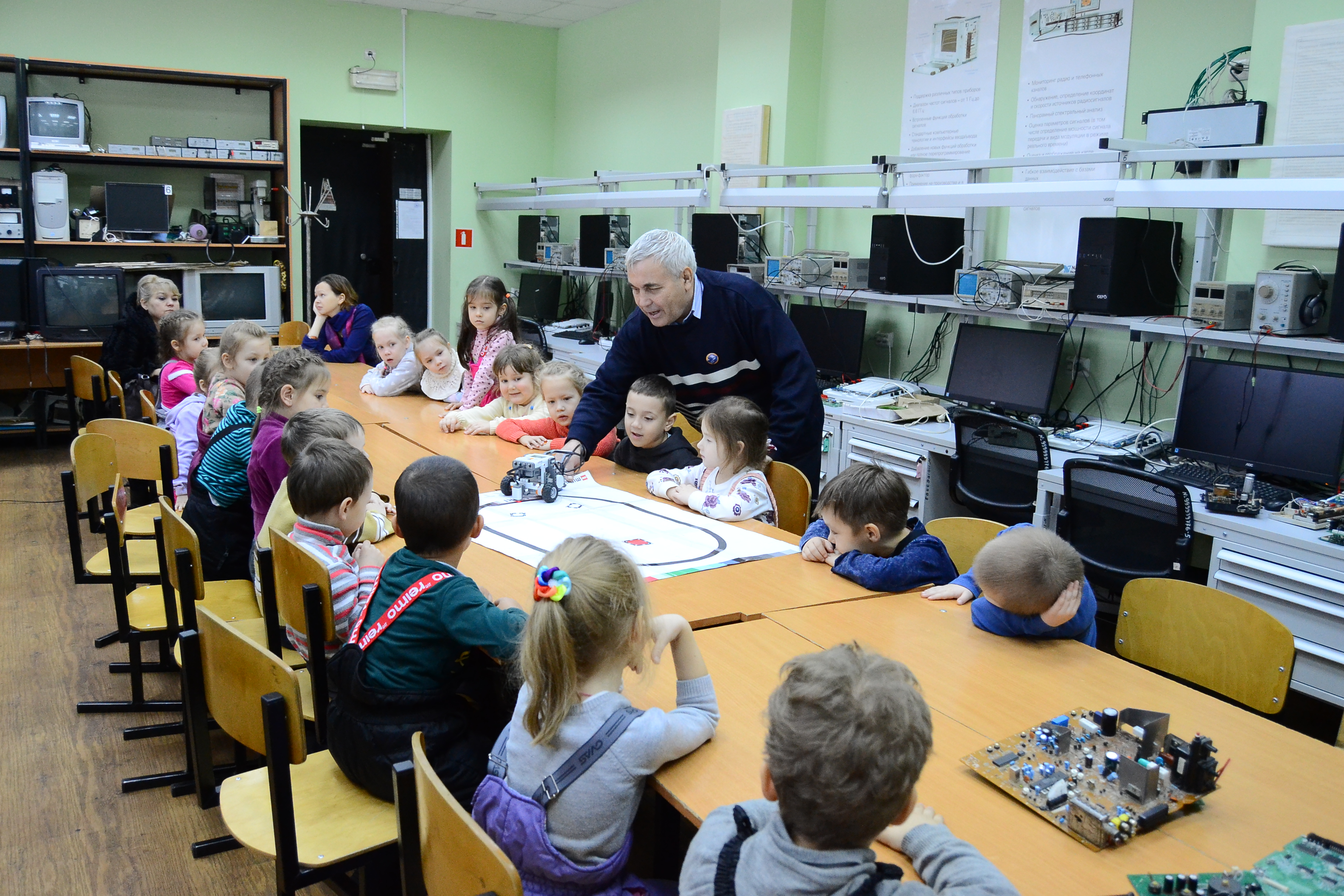 В рамках VI Регионального (открытого) чемпионата «Молодые профессионалы (Worldskills Russia)» для учащихся школ и воспитанников детских садов были проведены профориентационные мероприятия.