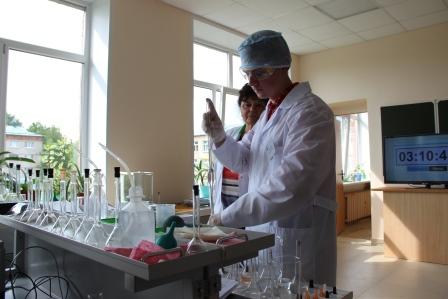 Студенты выпускного курса специальности  18.02.06 Химическая технология органических веществ Новочебоксарского химико-механического техникума приступили к сдаче демонстрационного экзамена